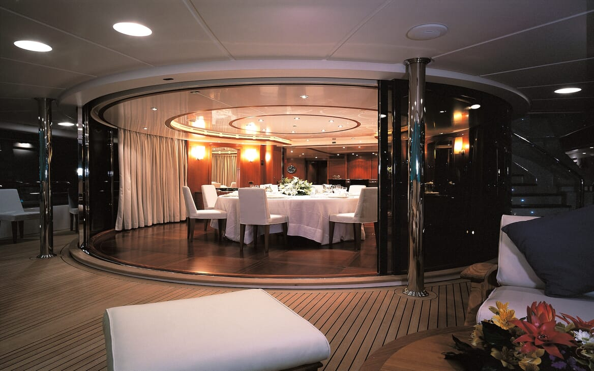 Motor Yacht More dining area