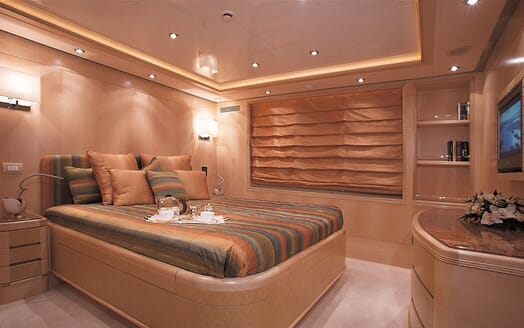 Motor Yacht More guest cabin