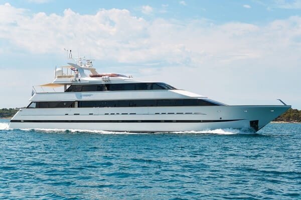 Motor Yacht LADYSHIP Hero Profile
