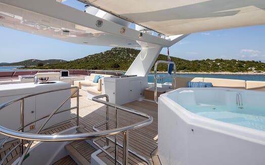 Motor Yacht Ladyship VIP cabin
