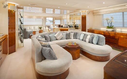 Motor Yacht Ladyship sundeck