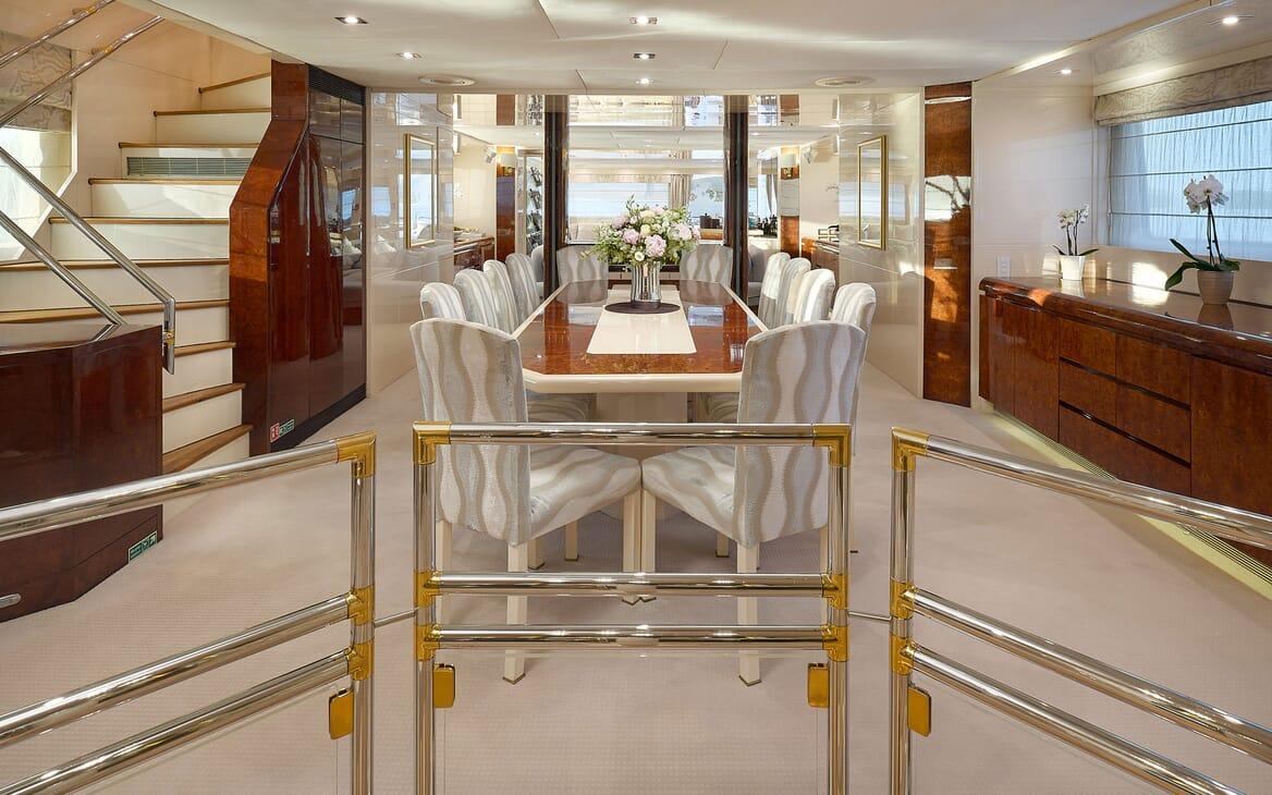 Motor Yacht LADYSHIP Main Deck Dining Table