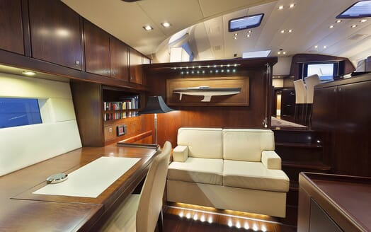 Sailing Yacht FARANDWIDE seating area