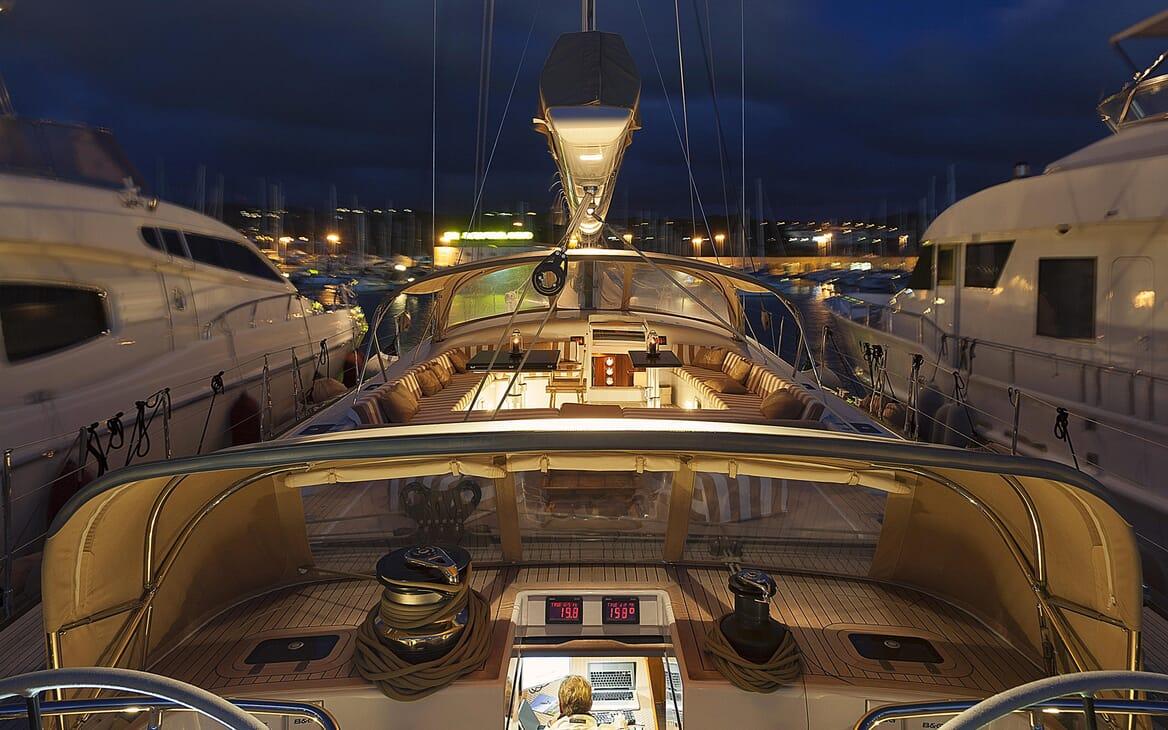 Sailing Yacht FARANDWIDE main deck