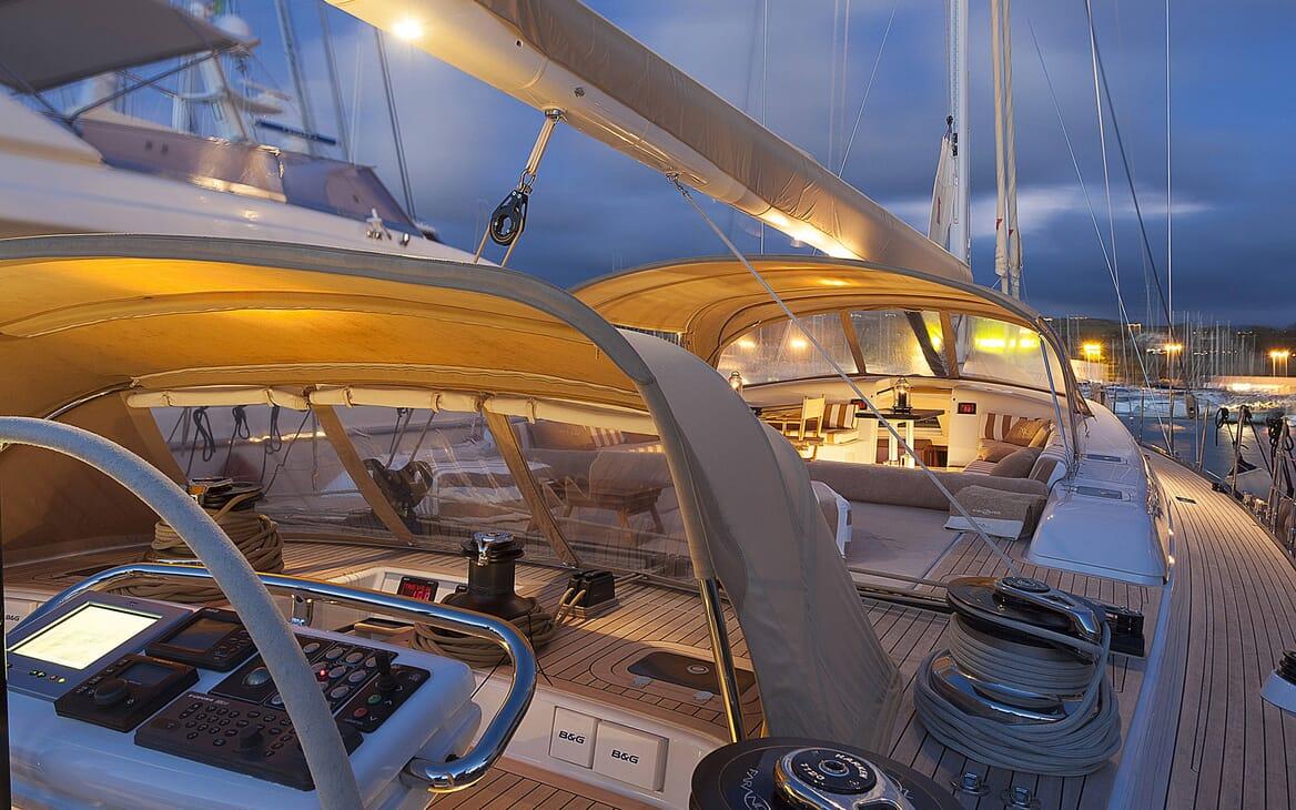 Sailing Yacht FARANDWIDE side deck