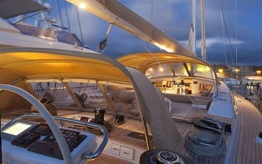 Sailing Yacht FARANDWIDE side deck