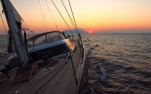 Sailing Yacht FARANDWIDE cruising