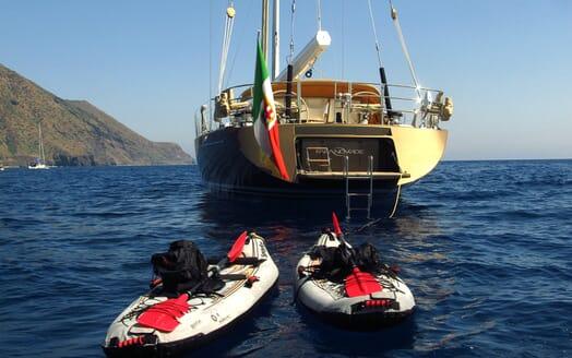 Sailing Yacht FARANDWIDE toys