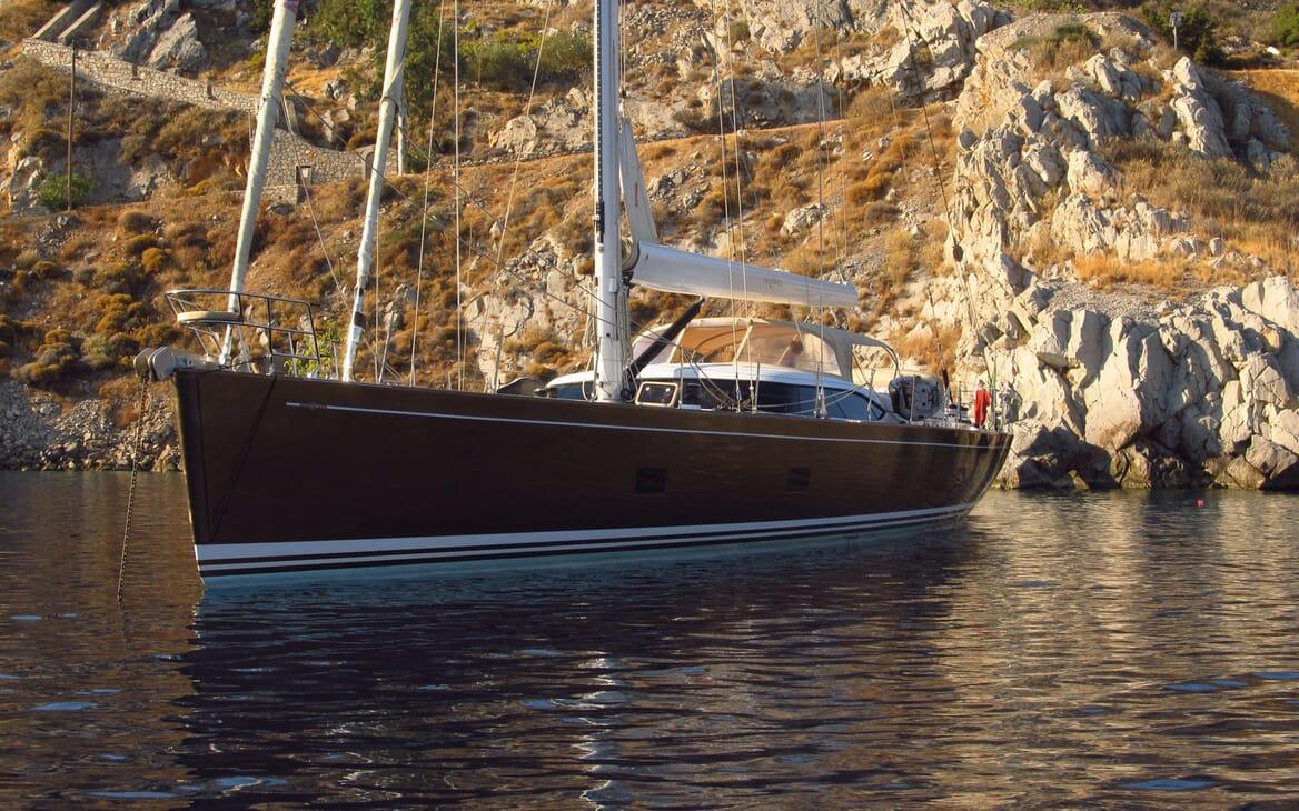 Sailing Yacht FARANDWIDE anchored