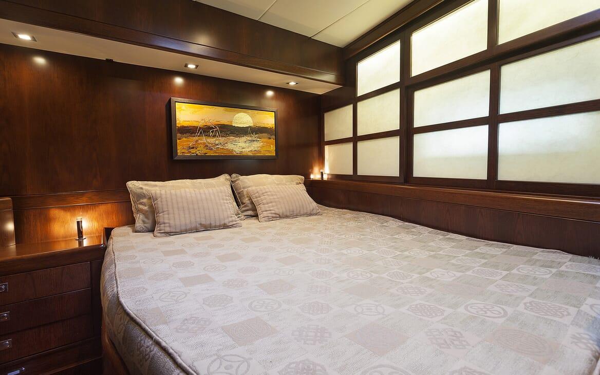 Sailing Yacht FARANDWIDE guest cabin