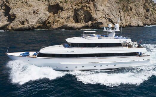 Motor Yacht ALCOR Exterior Underway