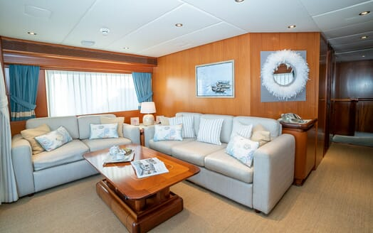 Motor Yacht ALCOR Guest Twin Stateroom with Pullman