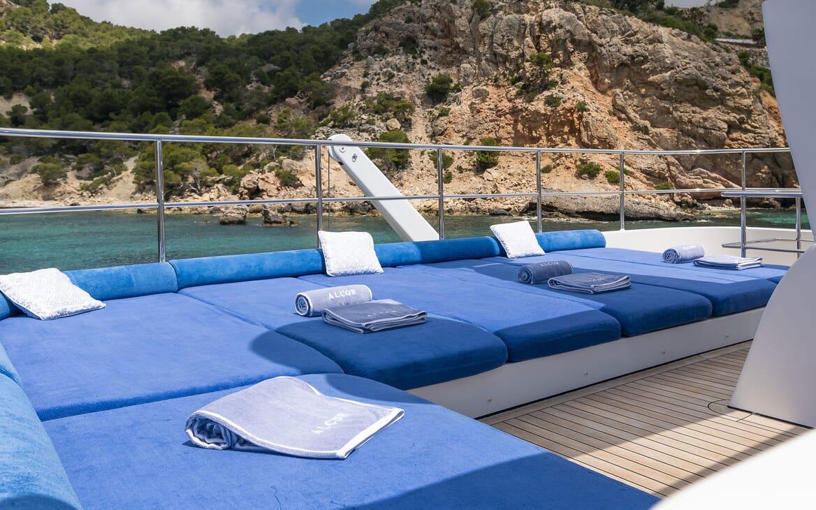 Motor Yacht ALCOR Sun Pad