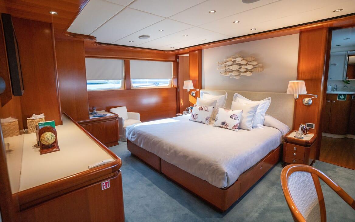 Motor Yacht ALCOR Master Stateroom