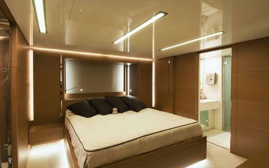 Motor Yacht 4A master cabin