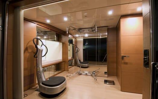 Motor Yacht 4A gym