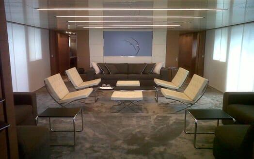 Motor Yacht 4A saloon