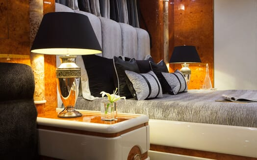 Motor Yacht Wheels Guest Double Stateroom