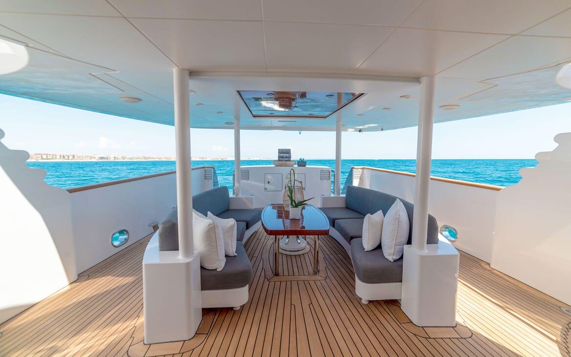 Motor Yacht Berzinc Deck Seating