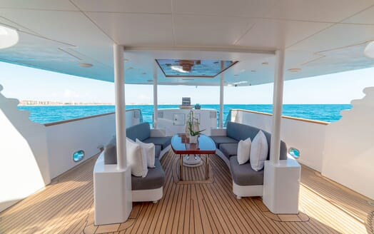 Motor Yacht Berzinc Deck Seating