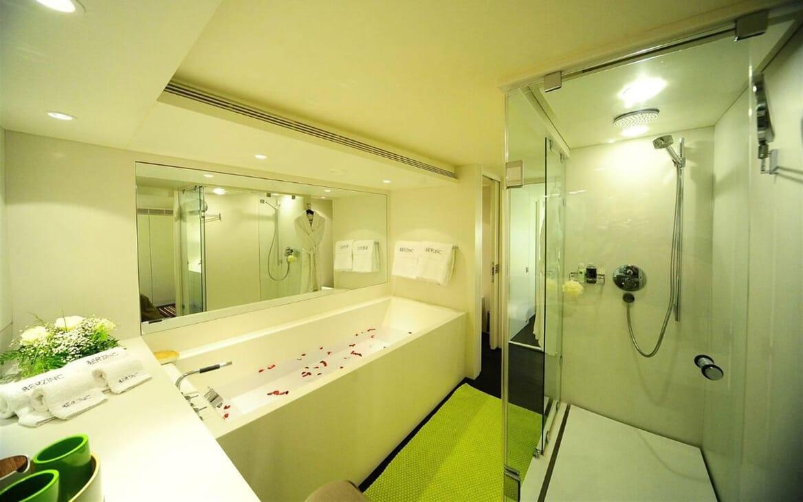Motor Yacht Berzinc Master Bathroom