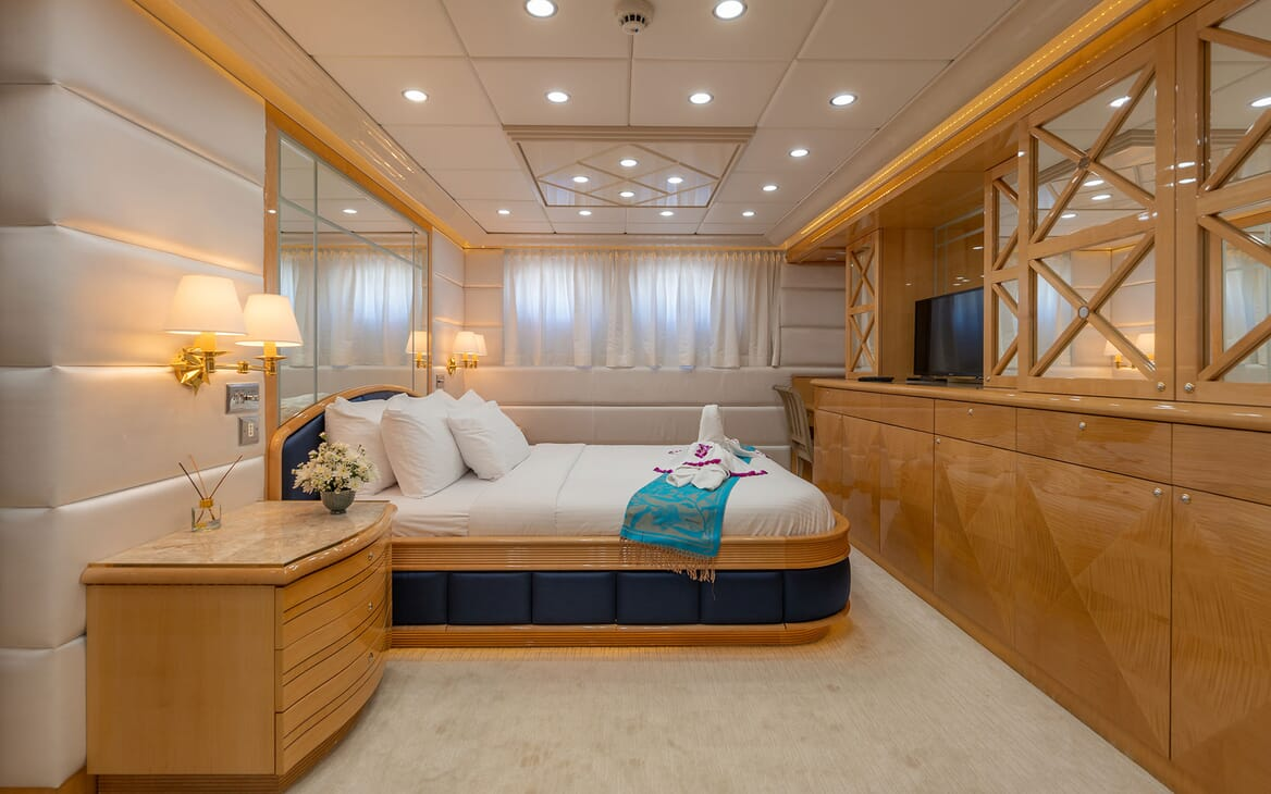Motor Yacht LADY AZUL Double Guest Stateroom