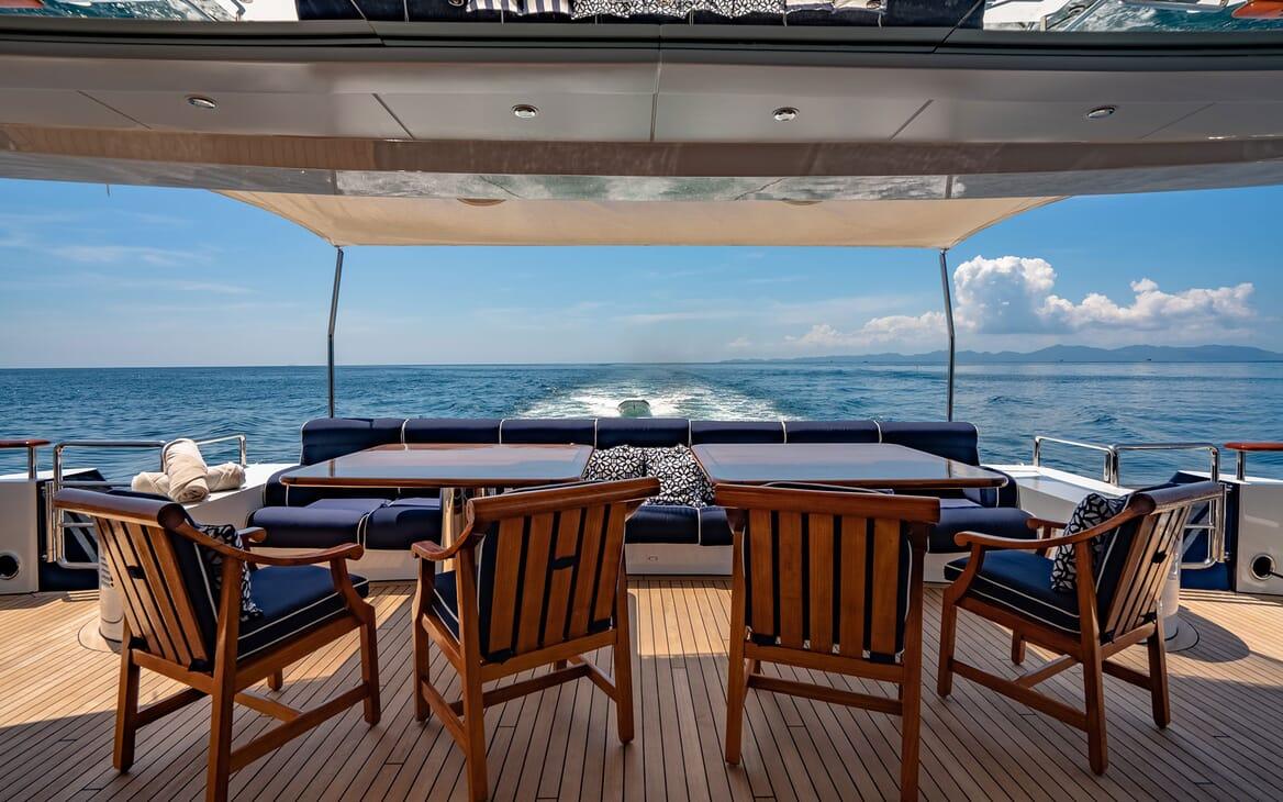 Motor Yacht LADY AZUL Aft Deck Seating