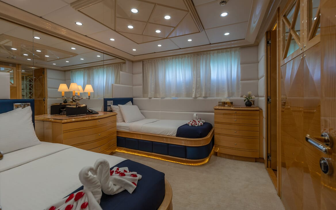 Motor Yacht LADY AZUL Twin Guest Stateroom
