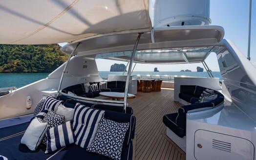 Motor Yacht LADY AZUL Sun Deck