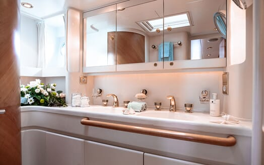 Sailing Yacht SCARENA Master Bathroom