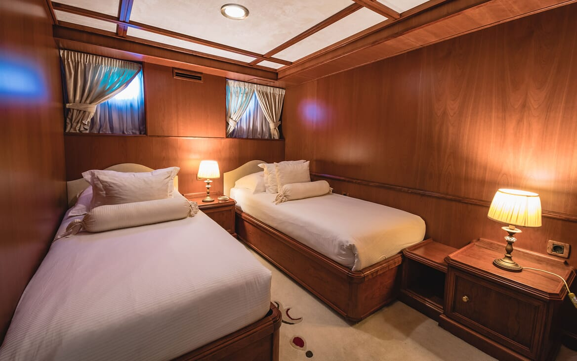 Motor Yacht SEAGULL II Guest Twin Stateroom