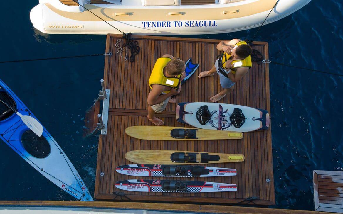 Motor Yacht SEAGULL II Toys