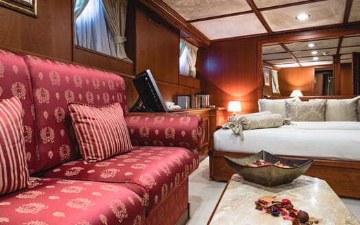 Motor Yacht SEAGULL II Guest Double Stateroom