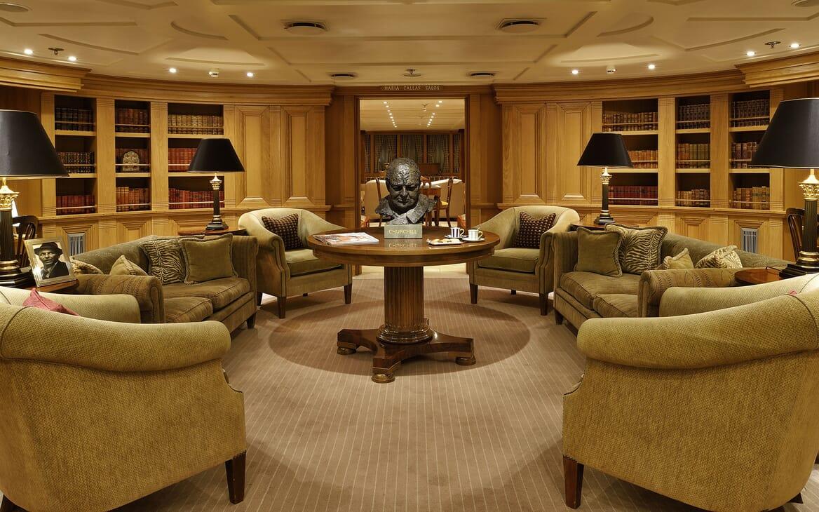 Motor Yacht CHRISTINA O Churchil Lounge