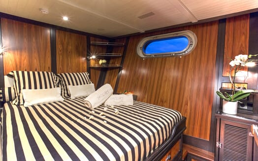 Motor Yacht Paolyre double cabin