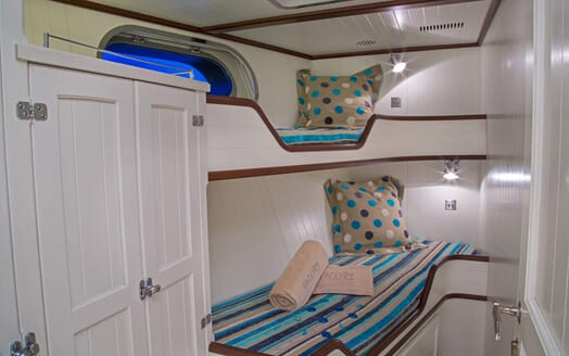 Motor Yacht Paolyre twin cabin