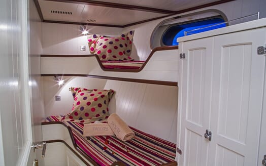 Motor Yacht Paolyre twin stateroom