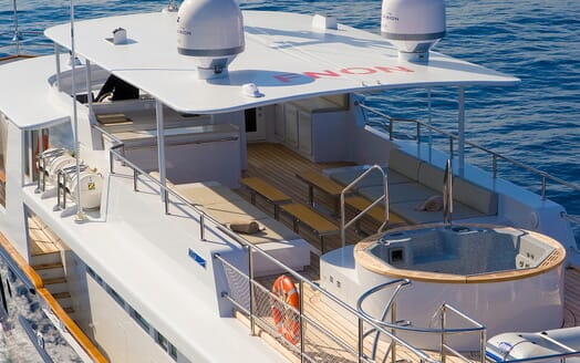 Motor Yacht Paolyre fly deck
