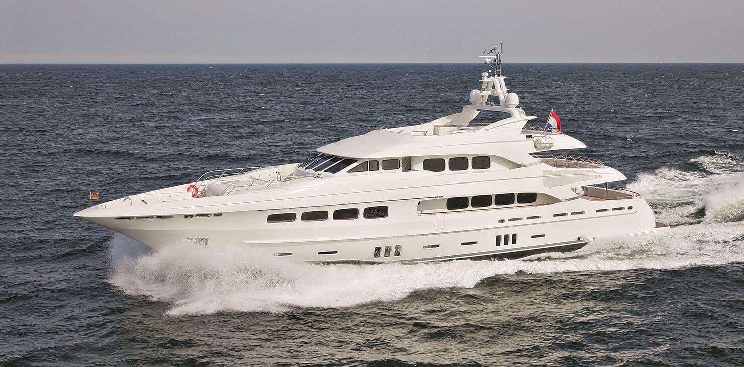 Motor Yacht Latitude running shot
