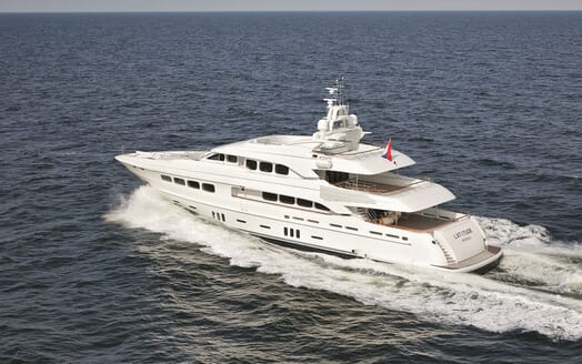 Motor Yacht Latitude cruising
