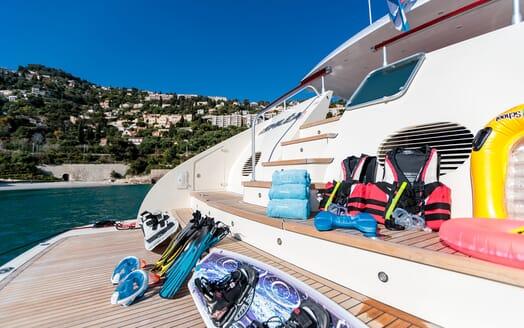 Motor Yacht Hemelia Running