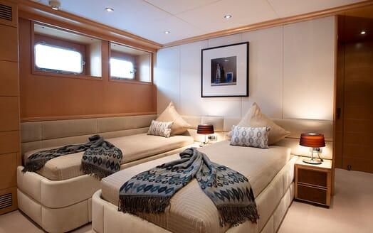 Motor Yacht DEEP BLUE II Twin Guest Stateroom