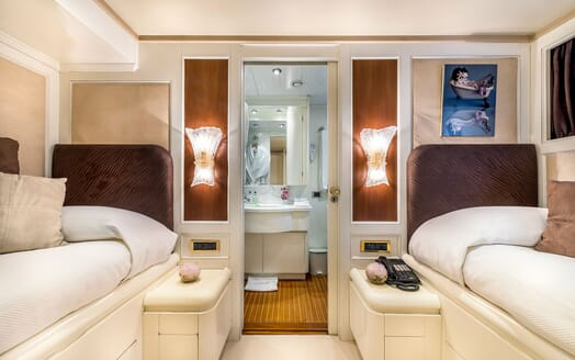 Motor Yacht Superfun twin cabin