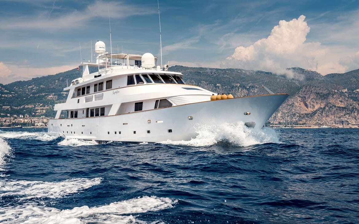 Motor Yacht Superfun running shot