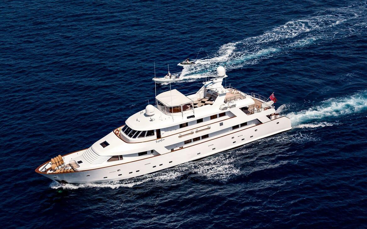 Motor Yacht Superfun underway