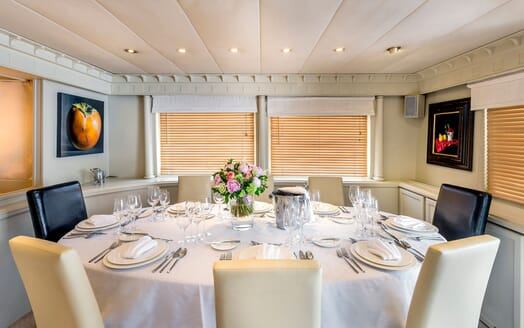 Motor Yacht Superfun dining area