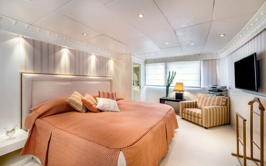 Motor Yacht Superfun double cabin