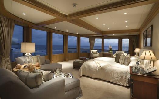 Motor Yacht Utopia master cabin