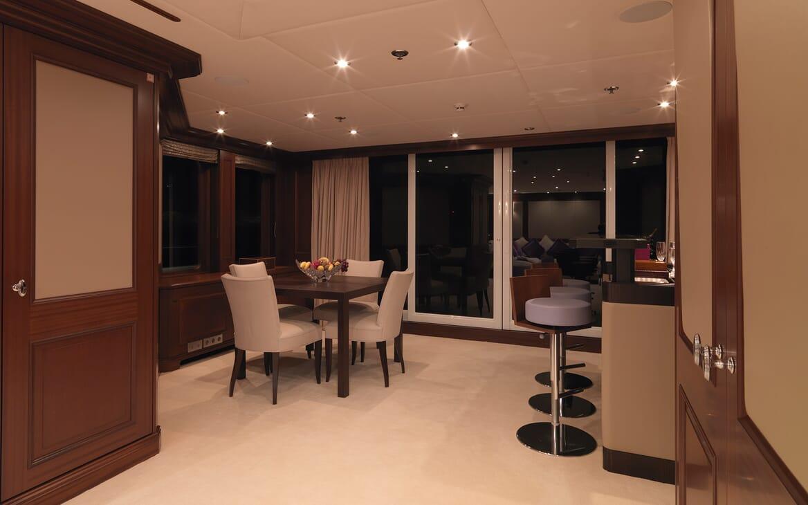 Motor Yacht My Little Violet living area