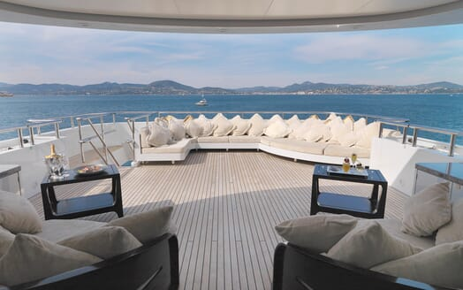 Motor Yacht My Little Violet aft seating